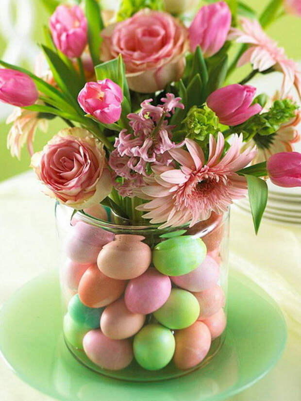 цветы в банке с яйцами