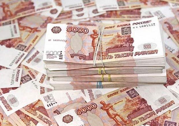 Спонсор «Знамени» рассказал, сколько в клубе получает Павлюченко и другие звёзды
