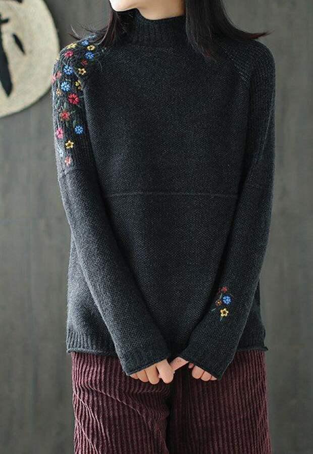 Вышитые свитера (подборка)