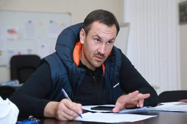 Спиридонов признался, что матерится как Новосельская