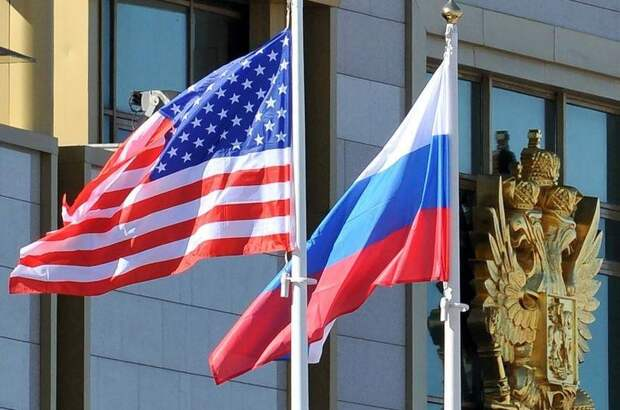 Дипломатическая война: Чехия высылает российских дипломатов