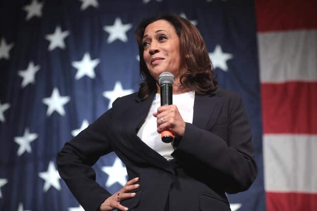 Новая этика: как демократы в США пытаются изменить отношение к женщинам в политике