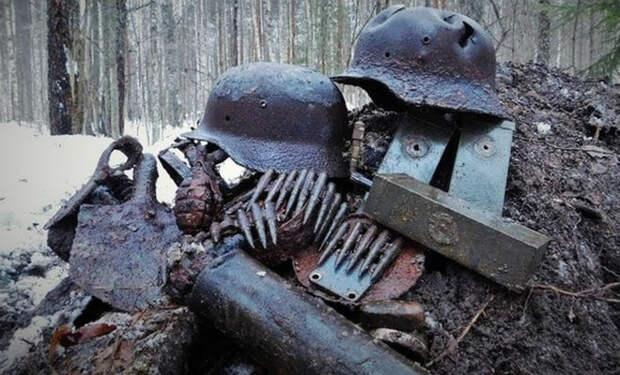 Немцы в спешке бросили в топь всю амуницию: бесконечный клад из болота