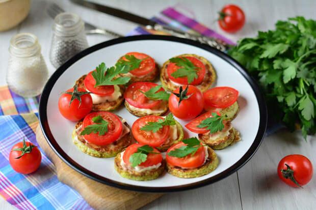 Кабачки с помидорами и чесноком — нежные и пикантные