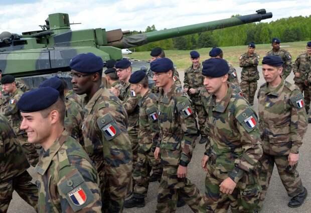 «Жертвы будут исчисляться тысячами»: почему французские военные предрекают гражданскую войну