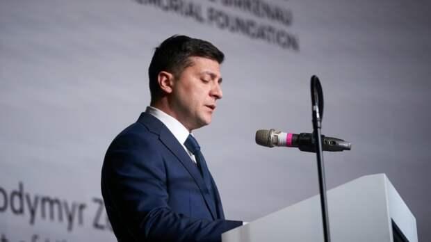 Захарова высмеяла слова главы МИД Франции о демократическом пути Зеленского к власти