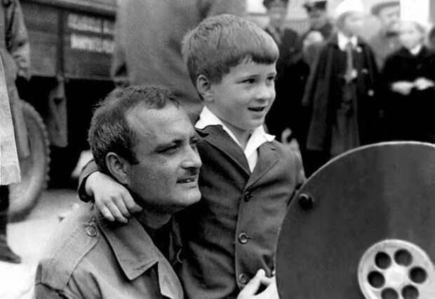 Георгий Данелия с сыном Николаем | Фото: stuki-druki.com
