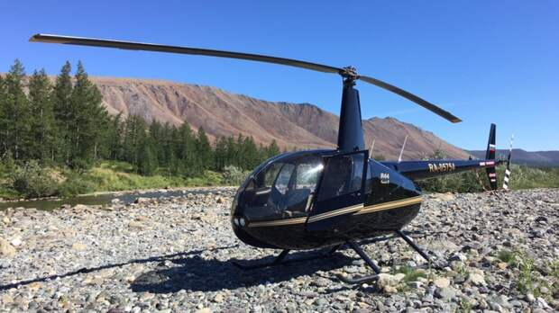 Поиски разбившегося осенью вертолета возобновили в Вологодской области
