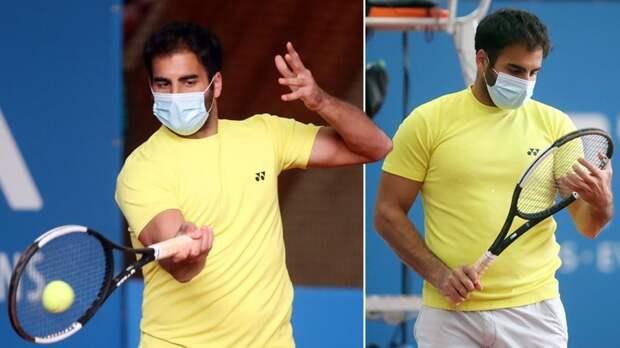 Хассан стал первым теннисистом, который провел весь матч вмаске