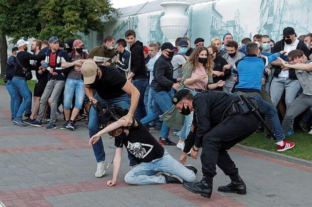 Куда пойдет Белоруссия: к братьям на Восток или к панам на Запад