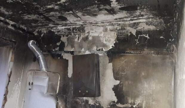 Изгорящей пятиэтажки вОренбурге спасли трех человек