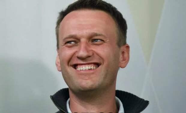 Меркель страхует задницу Навального, пытающегося получить статус «политбеженца»