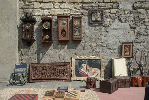 Где можно найти антикварные мелочи почти за бесценок?