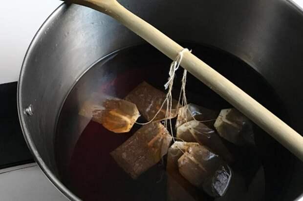 чайные пакетики в кастрюле