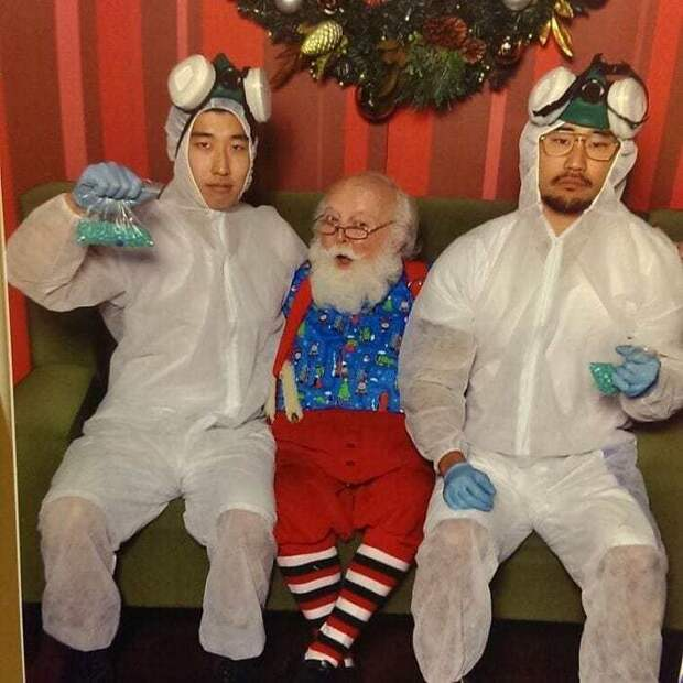 yearly-ageless-santa-pictures-06