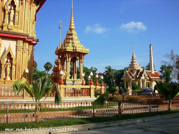 Буддийские святыни острова Пхукет. Таиланд.