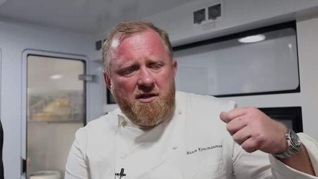 Ведущий кулинарного шоу Констатин Ивлев официально развелся с женой после 23 лет брака