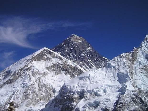 Непал и Китай решили заново измерить высоту Эвереста