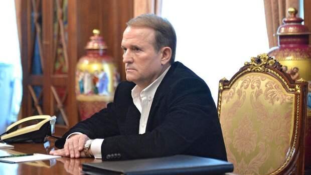 В Киеве рассказали, как Медведчук вбивает гвозди в гроб украинской власти