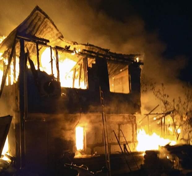 Пострадавшей на пожаре севастопольской семье окажут материальную помощь