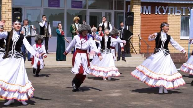 Жители поселков Башкирии получили возможность посещать новые библиотеки и ДК