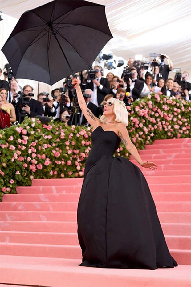 Леди Гага на Met Gala в 2019 году