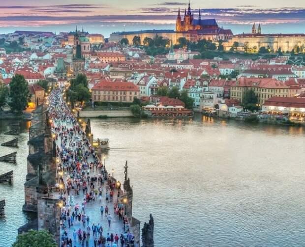Президент Чехии предложил не открывать границы страны ещё год