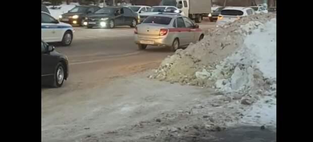 Полицейские устроили погоню за женщиной-водителем в Ульяновске