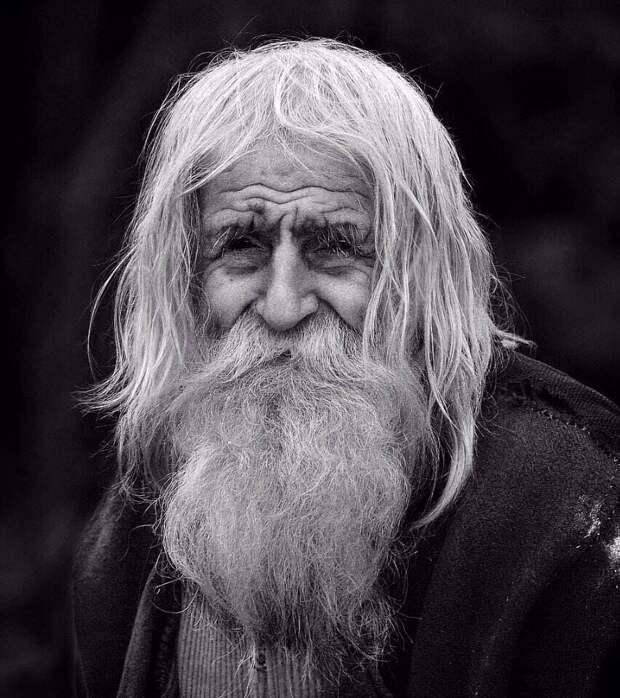 «Не пытайся угнаться за счастьем и не бойся одиночества»: 3 поразительных правила счастливой жизни от долгожителя