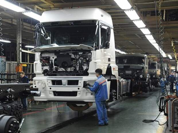КАМАЗ притормозит с производством из-за падения рынка