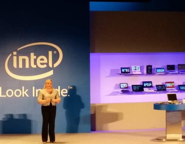 Президент Intel Рене Джеймс (Renee James) представляет процессоры Core M