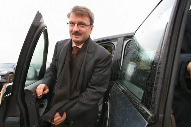 От Гайдара до Улюкаева: 11 министров экономики России. Фотогалерея