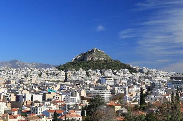 Греция откроет границы для привитых «Спутником V» туристов
