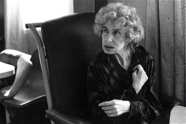 Кэтрин Боуз-Лайон в старости