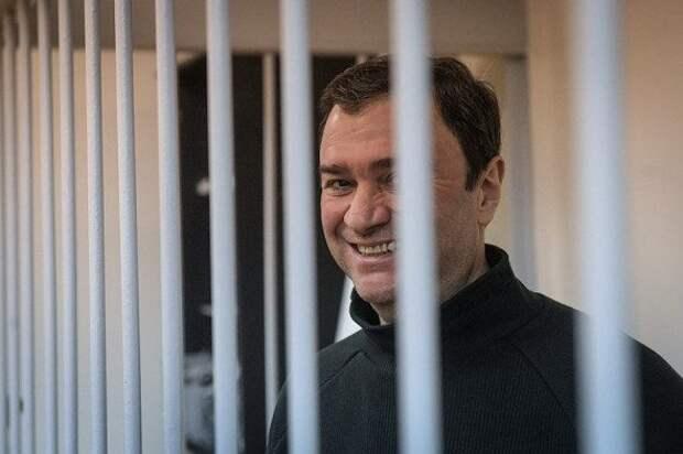 От Сердюкова до Меня: российские чиновники, попавшие под следствие