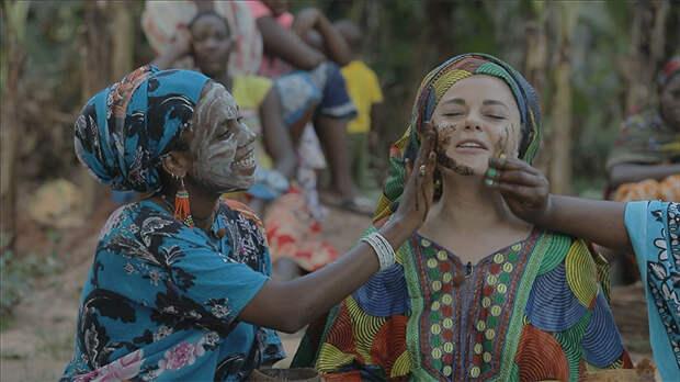 """Выжившая: Наташа Королева отправилась на экзотический остров для съемок в новом экстремальном шоу """"Племя"""""""