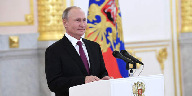 Путин: Российские вакцины от COVID-19 просты и надежны, как автомат Калашникова