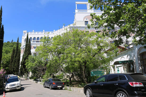 Владимир Зеленский исправно платит за ялтинскую квартиру