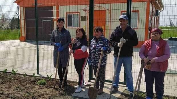 В селах Лобаново и Медведевка проведена экологическая акция «Цветы вокруг нас»