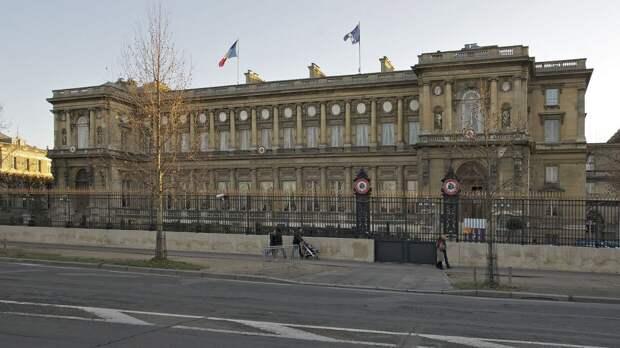 Посольство РФ в Париже назвало демаршем вызов своего дипломата в МИД Франции