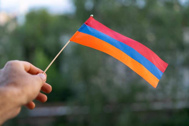 Армения сняла ограничения на въезд для привитых от коронавируса