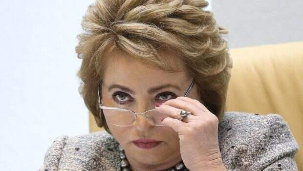 Матвиенко: Власть должна реагировать на митинги, а не делать вид, что ничего не происходит