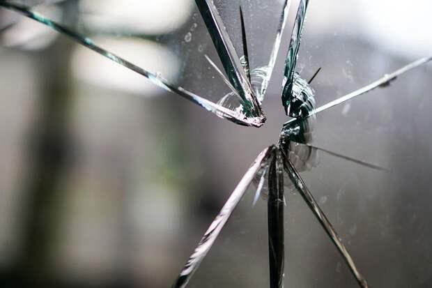 В Тобольске задержали подростков, стрелявших по автобусам из пистолета