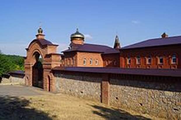 Успенский Свято-Георгиевский монастырь — Википедия