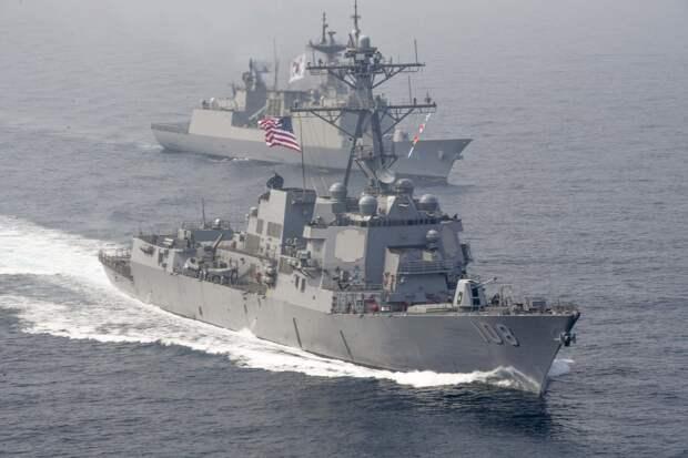 """Американские ВМС будут действовать """"более агрессивно"""" против кораблей Китая и России"""