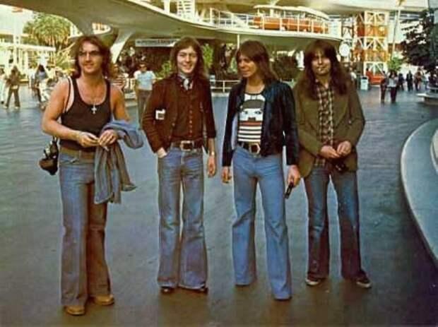 Самым популярным «фарцовым» товаром в 70-80 годы были джинсы./Фото: image1.thematicnews.com