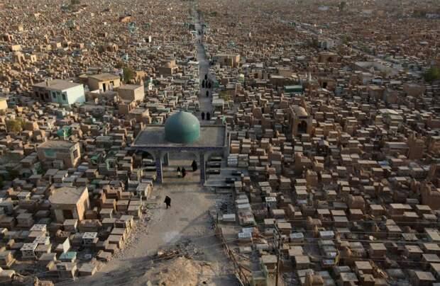Шиитское кладбище Вади ас-Салам