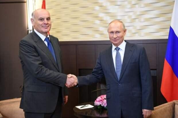 Год Бжания воглаве Абхазии: пандемия, энергокризис ивизиты вМоскву