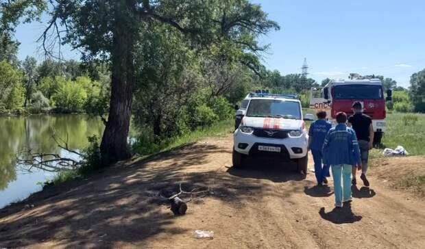 ЧПнаводе: водолазы обследуют дно озера Малахово вОренбурге