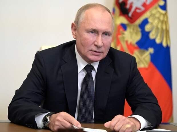 Появились слухи о скрытой причине самоизоляции Путина